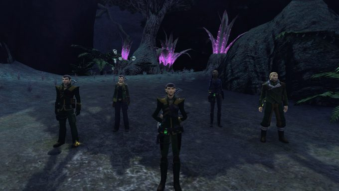 A Romulan starship crew in Star Trek Online